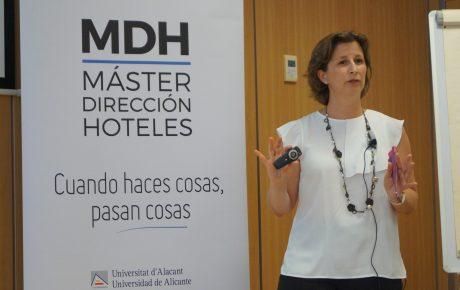 Patricia Diana en el Master de Dirección de Hoteles de la Universidad de Alicante