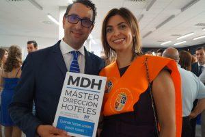 David Rubert (Profesor) y Silvia Monteiro Clausura Máster en Dirección de Hoteles