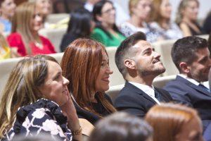 Alumnos Máster en Dirección de Hoteles UA. Cintia Culiañez, Christine Le Metayer y Miguel Albalat