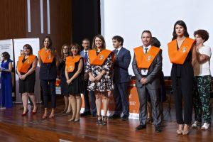 Entrega de bandas. Lourdes García, Manuel Moreno, Cintia Culiañez, Camino Herreros, Pilar Martínez y Yolanda Pickett